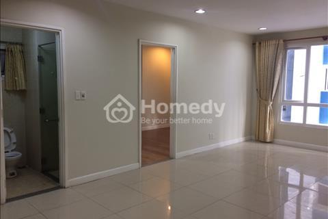 Cần bán gấp căn hộ Hùng Vương Plaza, Quận 5. Diện tích 130 m2, 3 phòng ngủ, tặng nội thất