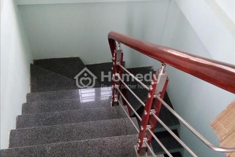 Nhà mặt ngõ Minh Khai, 3 tầng, 34 m2, đẹp, giá hợp lý, dọn đồ về ở luôn