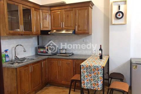 Cho thuê căn hộ đẹp, đầy đủ nội thất tại phố Trích Sài, cạnh Hồ Tây