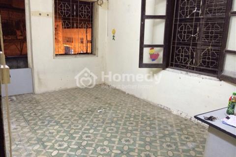 Cho thuê căn hộ tập thể 45 m2, 1phòng ngủ - 1 bếp - 1 WC, giá 3 triệu/tháng