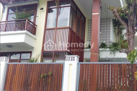 Bán biệt thự mới, cực đẹp, có hồ bơi, hướng Tây, Phường Tân Phong, Quận 7