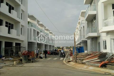 Cần tiền bán gấp lô đất mặt tiền đường số 1, diện tích 134 m2, giá 23,5 triệu/m2, sổ riêng