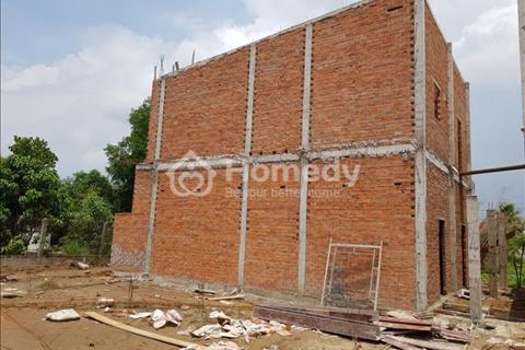 Bán nhà mới xây xong, 1 trệt 1 lầu gần chợ Bình Chánh