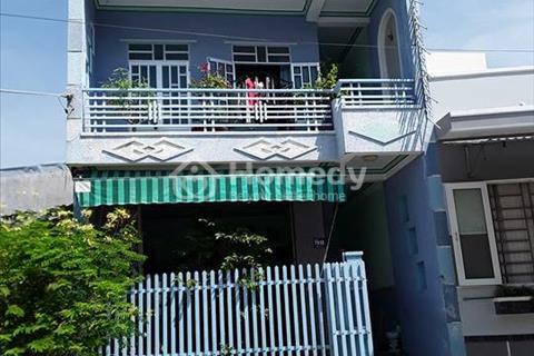 Bán nhà phố 2 tầng 1 trệt 77 m2 - 2,4 tỷ cách biển Nha Trang 1,3 km ( có sổ đỏ ).