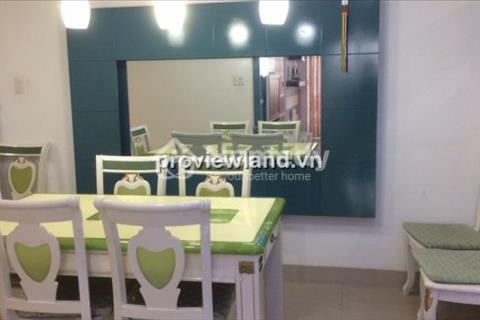 Cần cho thuê gấp căn hộ cao cấp Hùng Vương Plaza, Quận 5. Diện tích 132 m2, 3 phòng ngủ
