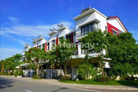 Cho thuê nhà liền kề góc 250 m2 Gamuda Gardens đủ đồ siêu đẹp, hướng mát