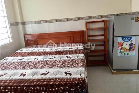 Quận Phú Nhuận cho thuê căn hộ dịch vụ 60 m2, full nội thất gỗ free nước cáp internet