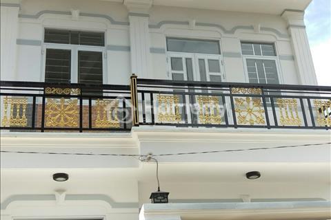 Bán nhà 1 lầu đúc, diện tích sử dụng  95 m2 ( 3,5 x 13,5 m) ngay cầu Long Kiển
