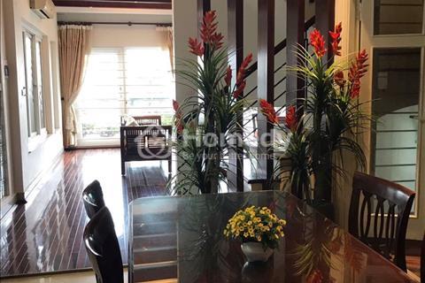 Cho thuê biệt thự 4 tầng tại Đống Đa Hà Nội ,giá 2500 USD.
