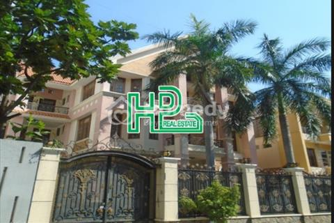 Cho thuê biệt thự hẻm lớn đường Nguyễn Trọng Tuyển, Phường 10, Quận Phú Nhuận