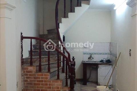 Bán nhà thổ cư 4 tầng, ngõ 515 đường Hoàng Hoa Thám, Ba Đình, Hà Nội