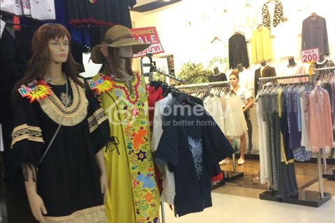 Bán Shop Sài Gòn Square - Tại Phú Mỹ Hưng- Giá 200 Triệu LH O908268880