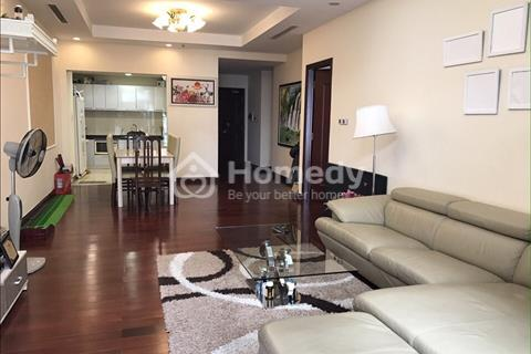 Cần bán gấp căn hộ cao cấp Royal, diện tích 145m2, ban công Đông Nam