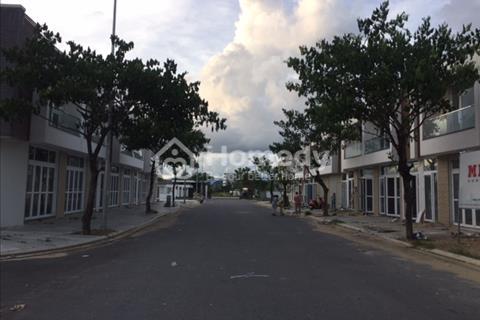 Cho thuê nhà 3 tầng, 2 mặt tiền khu FPT smartcity sát biển gần Cocobay, có gara ô tô, nhà new 100%