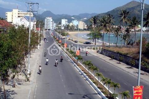 Bán biệt thự Phạm Văn Đồng - Nha Trang. Diện tích 600 m2, giá 165 triệu/m2
