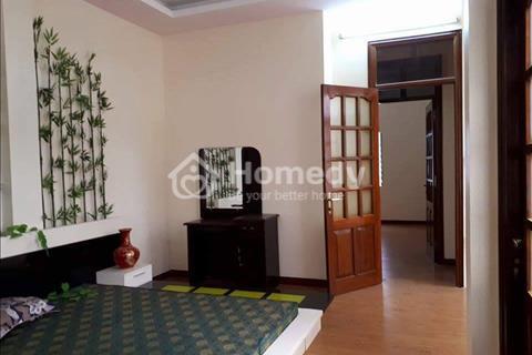 Bán nhà đẹp phố Chùa Láng, 41 m2, mặt tiền 7,2 m giá đẹp 5,6 tỷ