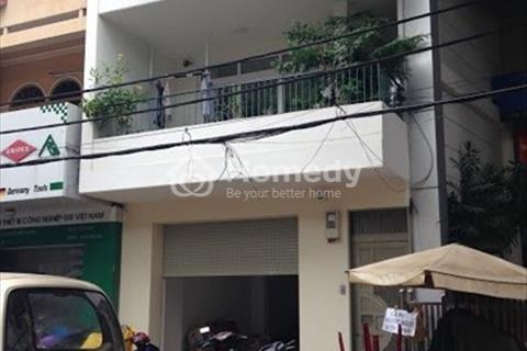 Cho thuê nhà mặt tiền đường Võ Văn Kiệt, phường Cô Giang, Quận 1 diện tích: 5,2x 27 m, 1 trệt 2 lầu