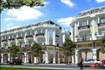 Nhà phố được thiết kế theo kiến trúc hiện đại của Hoàng Gia Châu Âu. Nhà phố được thiết kế theo phong cách biệt thực biệt lập sân vườn theo phong cách củ khu phố nổi tiếng Phú Mỹ Hưng.