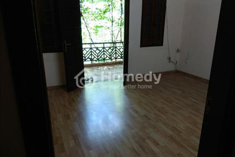 Cho thuê nhà 120 m2, 4 tầng tại Hoa Bằng, Cầu Giấy