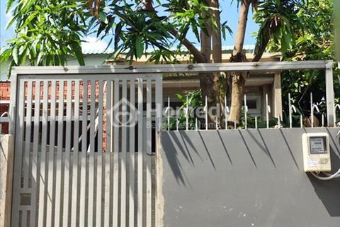 Cần bán nhà cấp 4 đẹp hẻm 1205 Huỳnh Tấn Phát, Phú Thuận, Quận 7