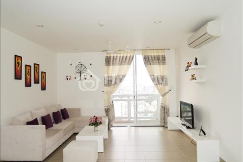 Cho thuê căn hộ Phú Hoàng Anh, 3 ngủ, 129 m2, full nội thất, lầu cao view đẹp, giá rẻ. Liên hệ Tùng