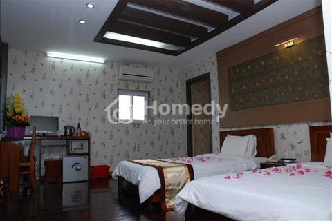 Bán khách sạn phố Nguyễn Chánh, 322 m2, 8 tầng thang máy, mặt tiền 8 m