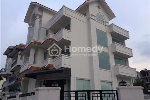 Bán biệt thự quận 7; Him Lam Kênh Tẻ lô góc 10 x 20 m có nội thất 24 tỷ, có thương lượng