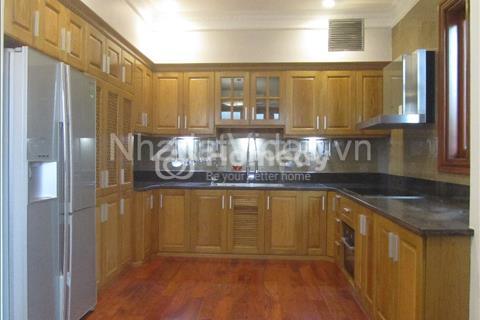 Cho thuê nhà ngõ 299 Trung Kính, 70 m2 x 5 tầng, mặt tiền 7 m