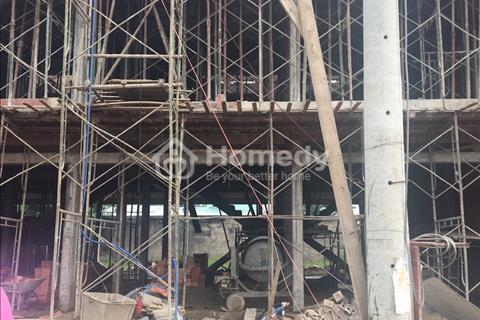 Nhà liền kề xây thô 1 trệt 2 lầu mặt tiền kinh doanh khu Song Ngữ Lạc Hồng; 4,5 x 20 m, 3 tỷ