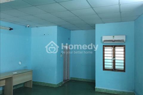 Cho thuê nhà nguyên căn, tầng lửng làm văn phòng tại phường 4,Q8,DT:40m2,giá 4tr/tháng.