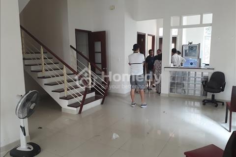 Cần cho thuê gấp biệt thự đơn lập Nam Thông, Phú Mỹ Hưng, Quân 7, Giá 2000 usd/thg.
