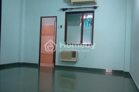 Cho thuê nguyên lầu 4, 60m3, 2 phòng ngủ, bếp, ban công, Phú Nhuận