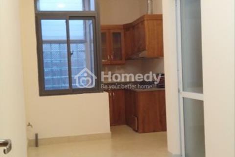 Chính chủ cho thuê chung cư mini 1 phòng ngủ và khách đủ đồ điều hòa giường tủ số 67 phố Hào Nam