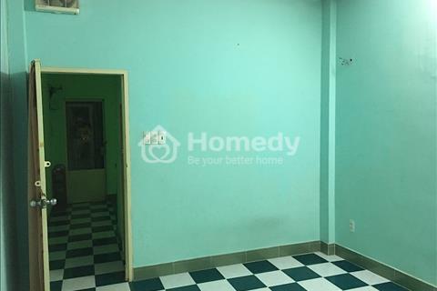 Cần cho thuê phòng trọ Quận 4, diện tích 40 m2