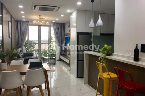 Cần tiền bán gấp căn hộ Scenic, lầu cao full nội thất cao cấp, nhà đẹp, view hồ Bán Nguyệt