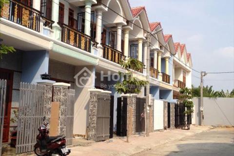 Kẹt tiền bán nhà mặt phố 1 trệt, 3 lầu, ngay trung tâm khu đô thị Bình Dương