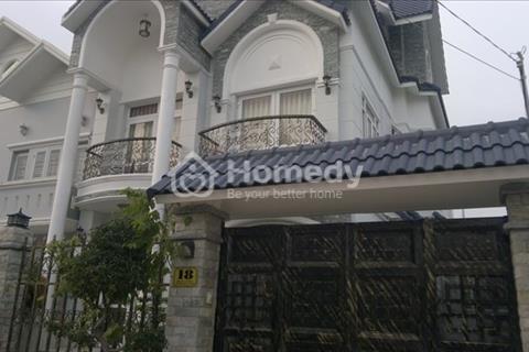 Cần bán hoặc cho thuê biệt thự Ciputra 230m2, 3,5 tầng, 5 ngủ cho thuê 45 triệu/tháng