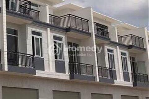 Nhà mới 100%, mặt tiền quốc lộ 1A, Thị trấn Bến Lức, 1 trệt 2 lầu, SHR