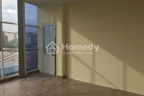 Phòng mới 100% giá rẻ tại Quận 7, có sẵn máy lạnh có cửa sổ, khu vực an ninh 24/24