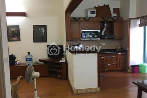 Cho thuê căn hộ chung cư ở Nguyễn Hoàng Tôn- Lạc Long Quân, gần Hồ Tây. Diện tích 56m2, giá thuê 6