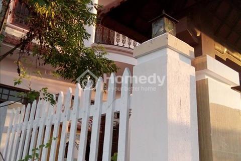 Bán nhà biệt thự đơn lập kiểu bán cổ điển Pháp mới xây Khu Hương Sơ Tp Huế, diện tích 160m2