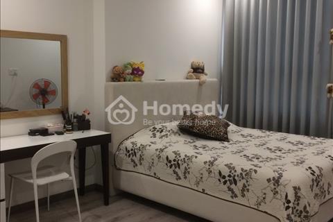 Cho thuê căn hộ 2 phòng ngủ Tropic Garden nhà rất đẹp, mát, tầng trung