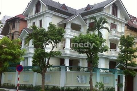 Cần cho thuê lô góc 130m2, nhà hoàn thiện đẹp, vị trí đẹp kinh doanh cạnh chung cư