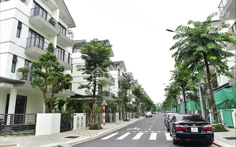 Bán căn biệt thự mặt đường Long Cảnh 20m, view thoáng