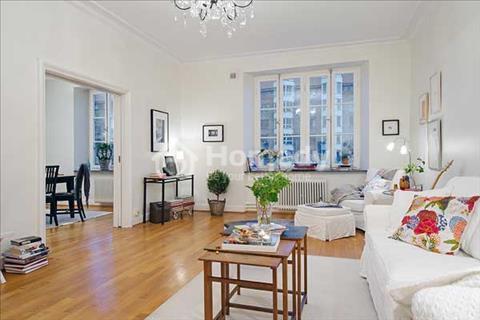 Bán căn hộ cao cấp Galaxy 9, 58m2, 2 phòng ngủ, 1 toilet, full nội thất, nhà rất đẹp. Giá: 2.75 tỷ