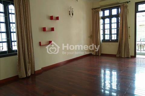 Cho thuê trọn tầng 4 nhà làm văn phòng ở Võ Chí Công, Tây Hồ, diện tích 60m2, gồm 2 phòng