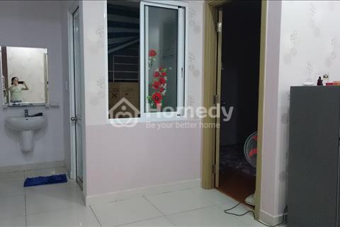 Cho thuê căn hộ 2 phòng ngủ chung cư Phúc Thịnh trung tâm Quận 5 giá 11 triệu/tháng