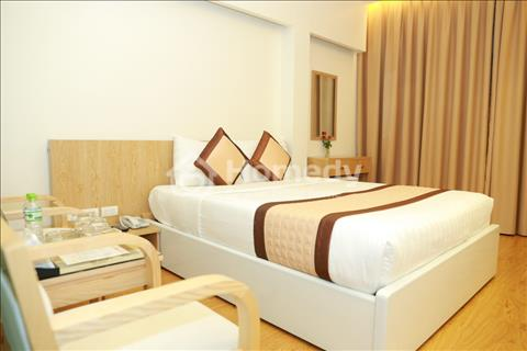 Biệt thự Hoàng Quốc Việt, 99m2, kinh doanh khách sạn, 4000 USD/tháng, 3 mặt thoáng, vỉa hè