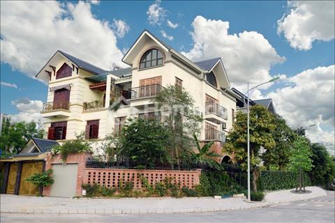 Cần bán gấp căn biệt thự, lô M04 mặt hồ khu A, Dương Nội Nam Cường, 250m2, đường 40m
