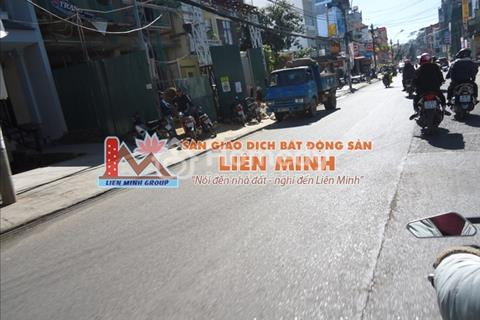 Cần bán gấp khách sạn kinh doanh tốt Bùi Thị Xuân, Phường 2 - Đà Lạt, giá 25 tỷ.